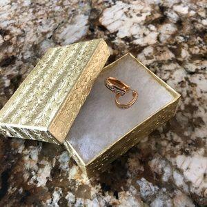 Gold & Diamond Chip Earrings! 💎